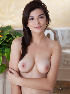 Saggy Tits Pictures